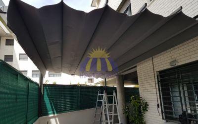 Instalación de pérgola con estructura lacada en Pinto – Madrid
