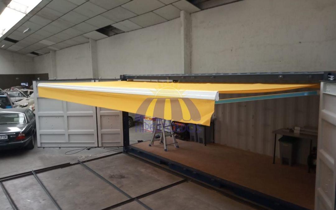 Instalación de toldos extensible en taller movil, Alcala de Henares