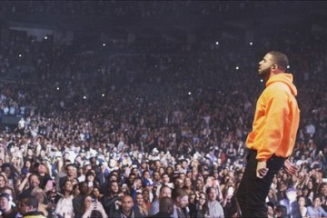 drake-performing-hip-hop-sports-report