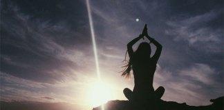 8 σημάδια που υποδηλώνουν ότι βιώνετε πνευματική αφύπνιση