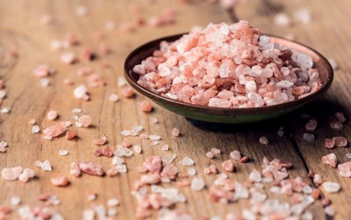 Τρώτε ροζ αλάτι Ιμαλαΐων; Δείτε τι συμβαίνει στο σώμα σας!