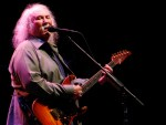 david crosby playing guitar 2010