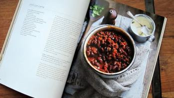 Book Review: Pressure Cooker by Australian Women's Weekly