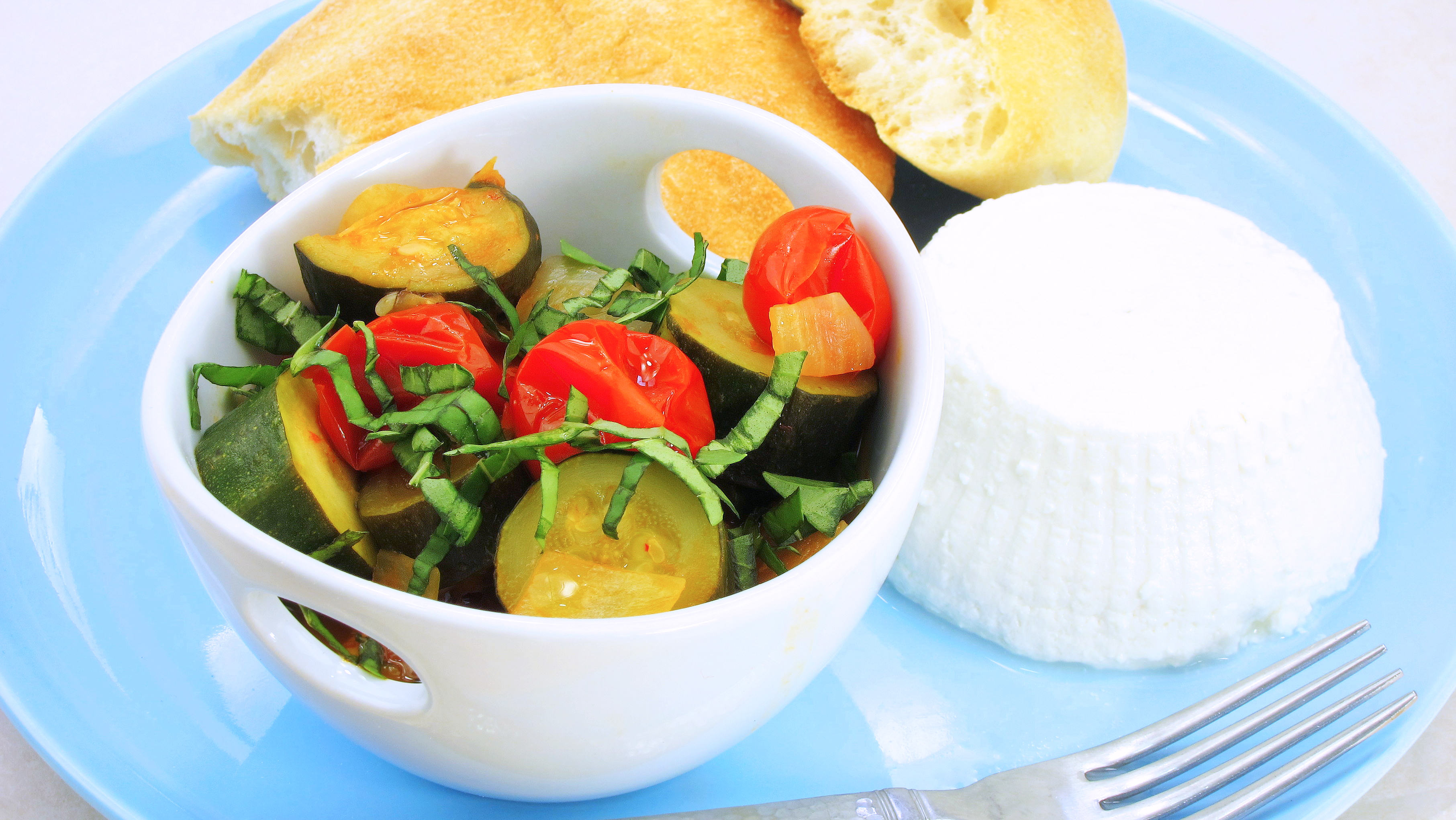 Zucchini & Tomatoes - chop as you go!