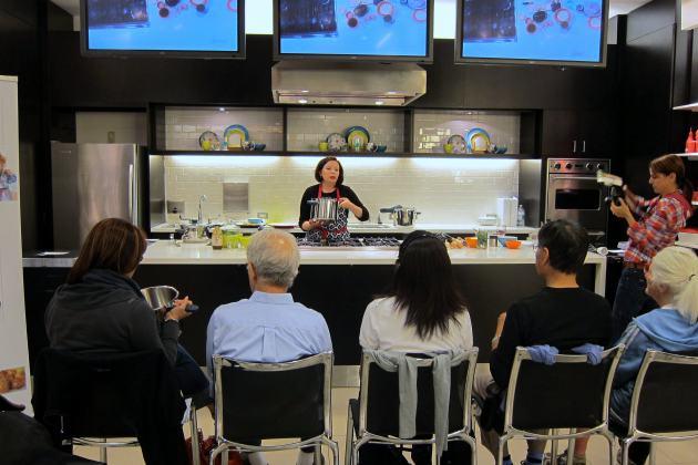 free pressure cooker demonstrations