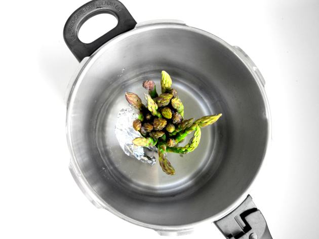 steam_pressure_cooker_asparagusa