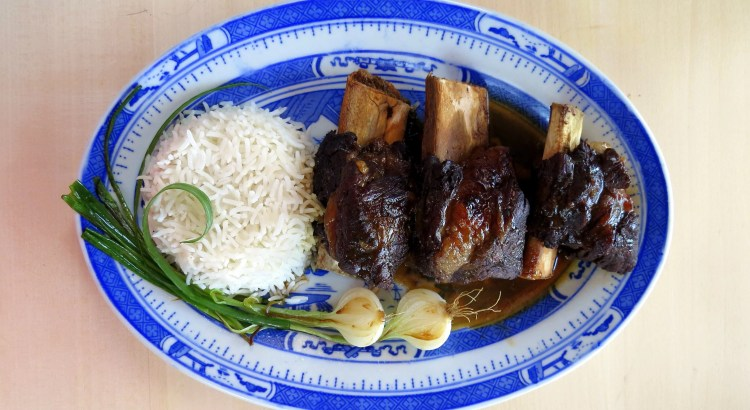 Pressure Cooker Beef Ribs Braised in Soy Sauce