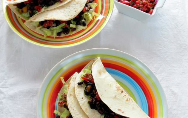 Easy Pressure Cooker Black Beans