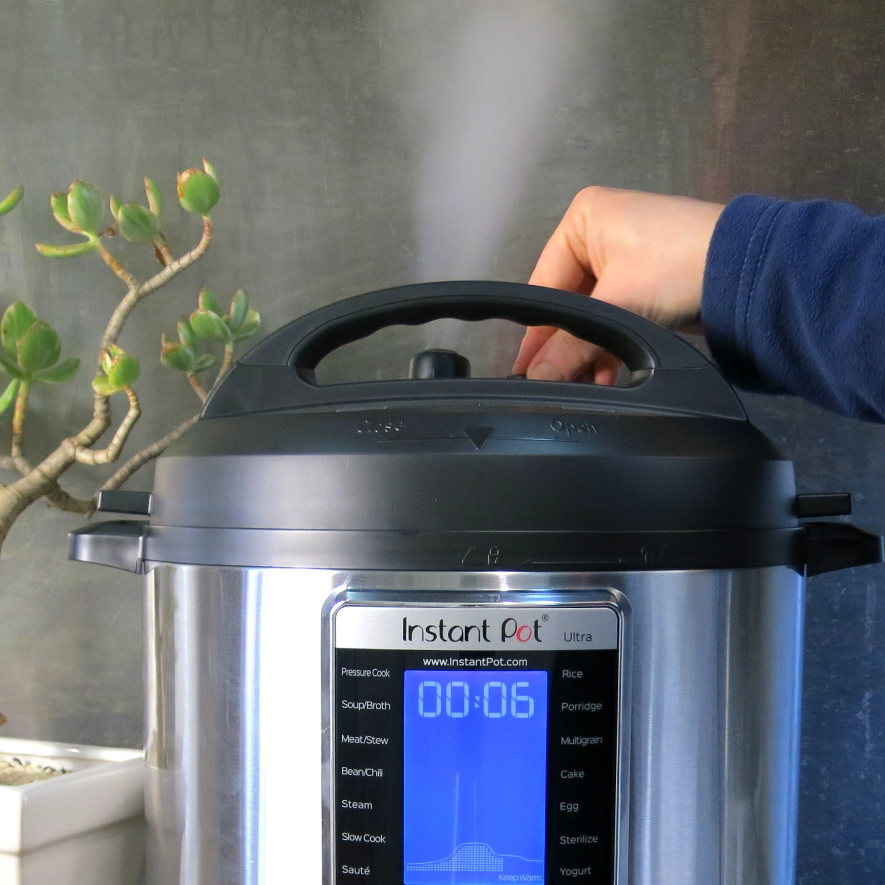Releasing Pressure with button - Instant Pot ULTRA