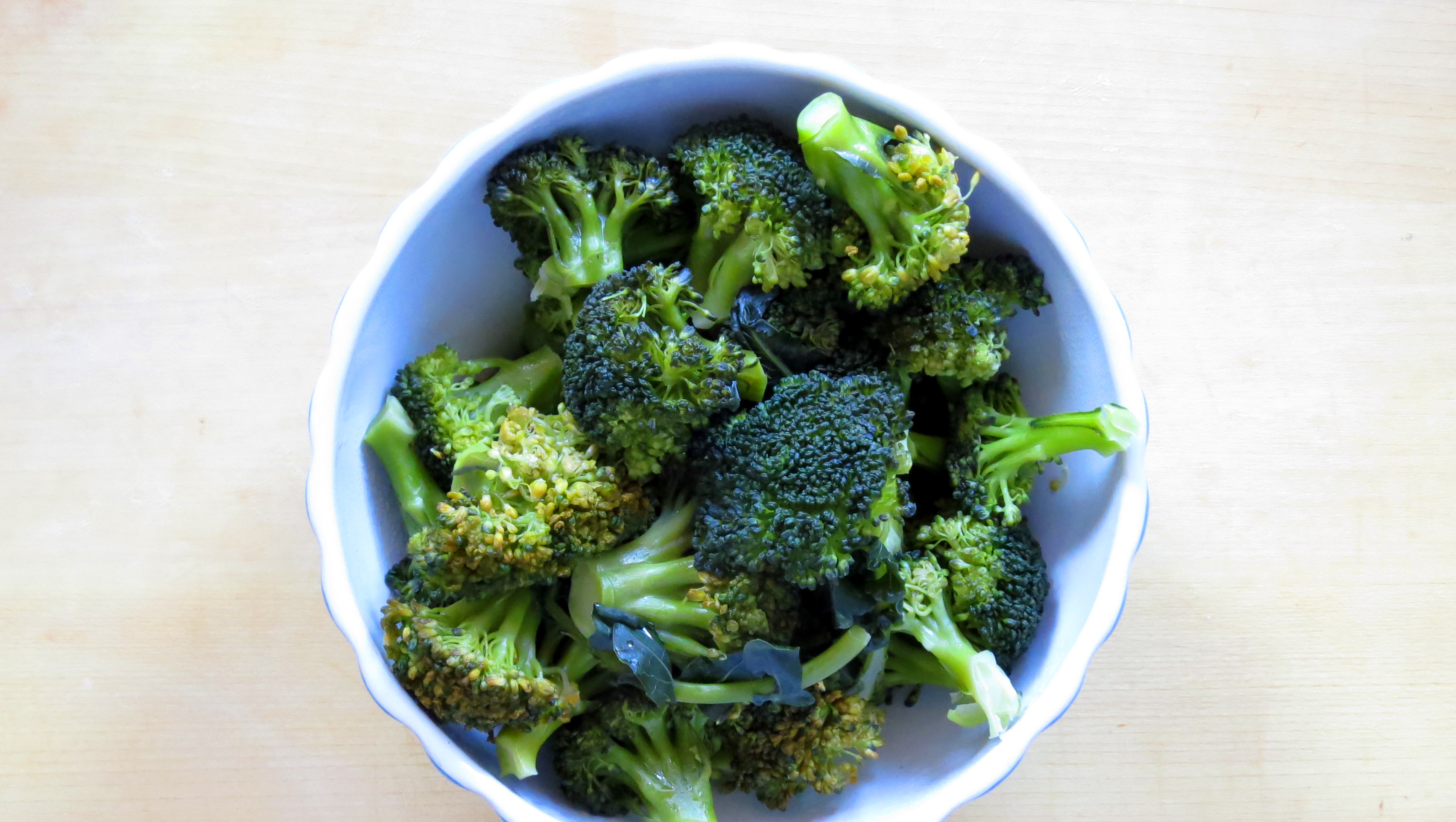 Pressure Cooker Steamed Broccoli