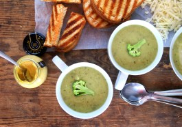 EASY Skinny Cream of Broccoli Soup (Instant Pot Pressure Cooker )