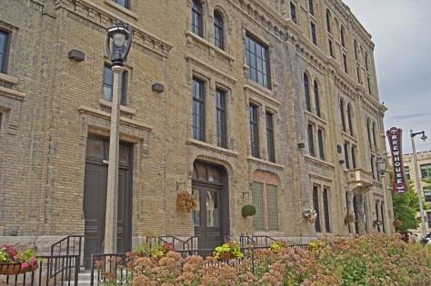 Brewhouse Inn Entrance