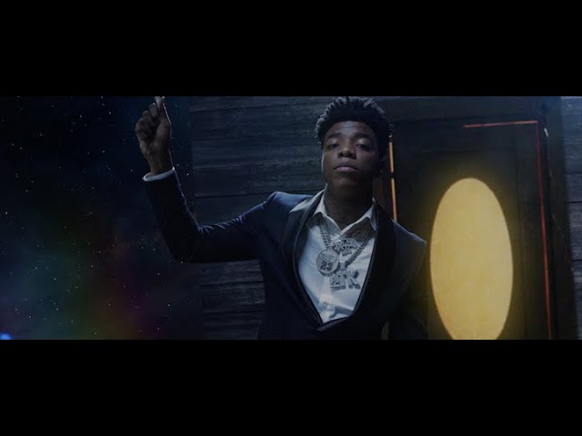 Yungeen Ace – Make Me Feel (Video)