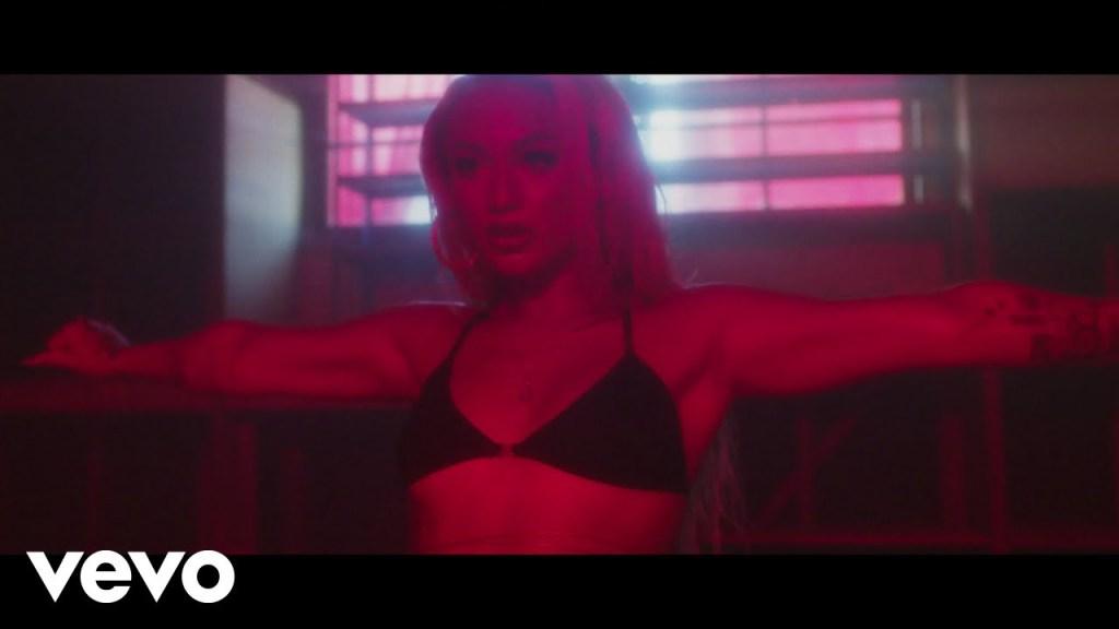 DaniLeigh – Baby Say [Video]