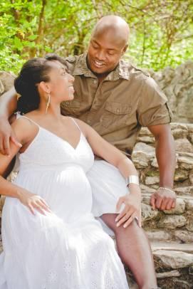 Outdoor Maternity Photography by Awkward Eye Photography Brackenridge Park San Antonio, Texas