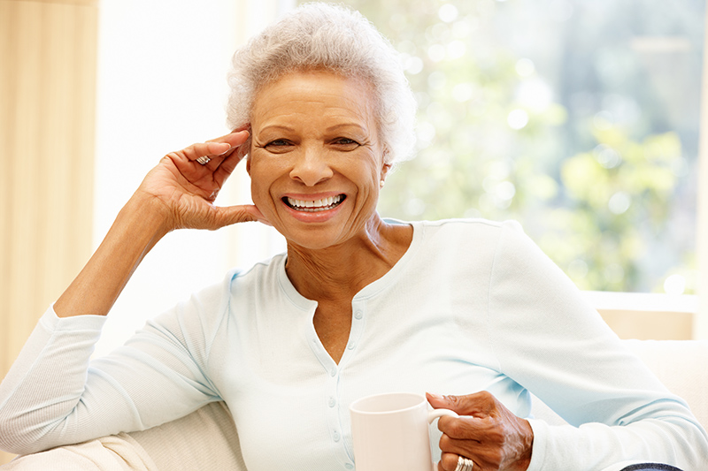 Dehydration in Seniors: Warning Signs & Tips to Help Stay Hydrated