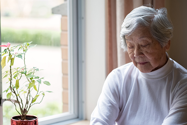 The Dangers of Senior Loneliness – and How to Help
