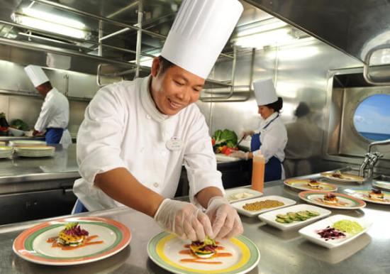 Felon working as a cook at a restaurant