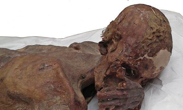 Hihetetlen, mit találtak az 5000 éves múmia testén