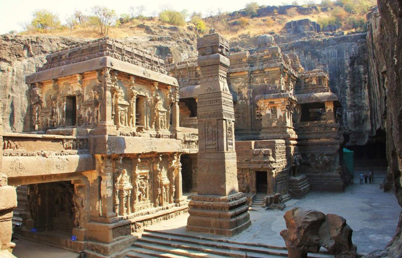 Egyetlen kőből faragták ki a csodás templomot senki sem tudja, hogyan épült 8