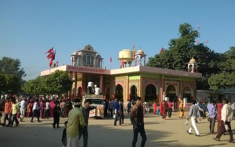 Hirnoda-bhandekebalaji-dharmik palace (12)