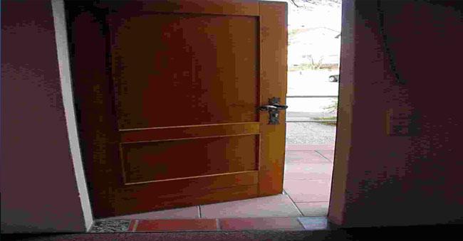 pintu.jpg