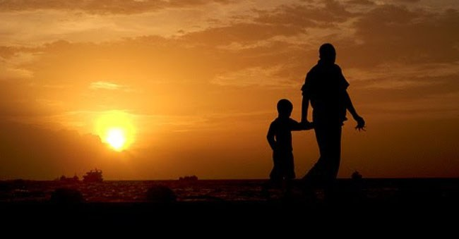 Surat Cinta untuk Para Orangtua: Perintahkan Keluargamu untuk Shalat!