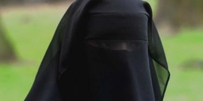 Pentingnya-Peran-Wanita-Muslimah-Dalam-Masyarakat.jpg