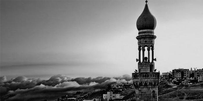 Beberapa-Pelajaran-Dari-Kisah-Seorang-Badui-yang-Buang-Air-Kecil-Di-Masjid.jpg