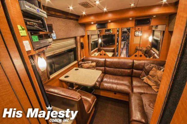 Back Lounge Entertainer Bus
