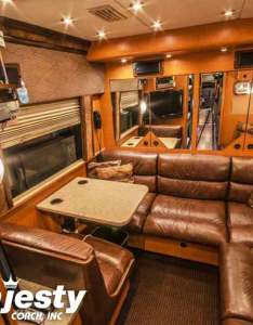 Back lounge entertainer bus coach with bathroom also sleeper coaches rentals his majesty rh hismajestycoach