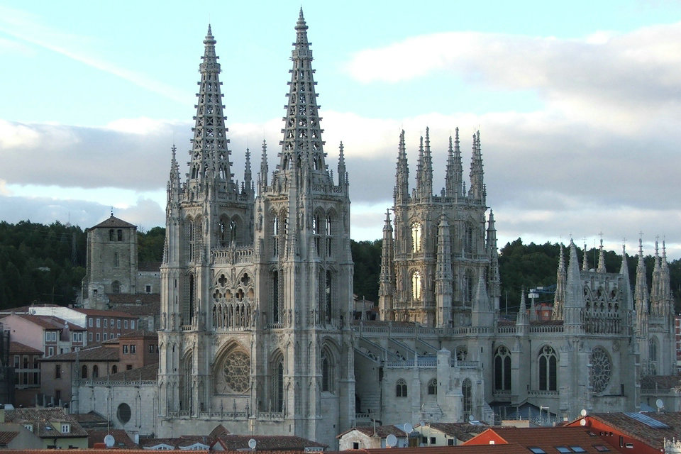 pictures of building with gothic architecture characteristics   Characteristics of Gothic architecture – HiSoUR – Hi So ...