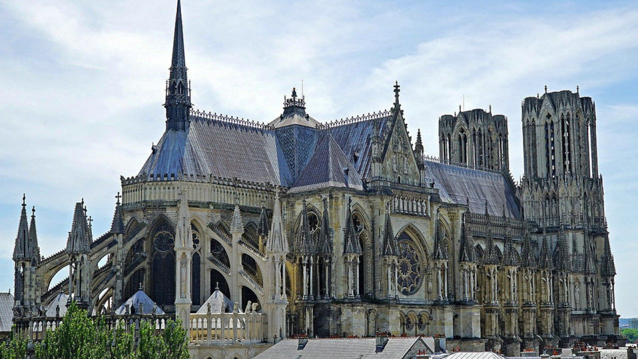 History-and-influences-of-Gothic-archite