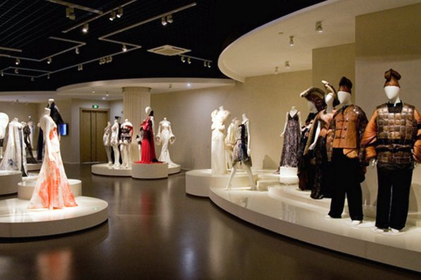 An evolution of fashion - Chinese costume 1920s-2010s, China National Silk Museum