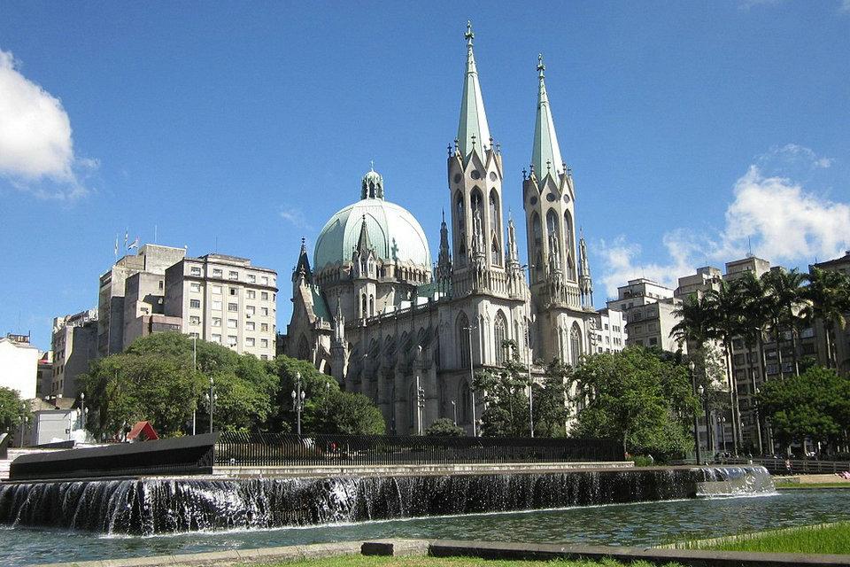 ブラジル、サンパウロ大聖堂 | HiSoUR 芸術 文化 美術 歴史