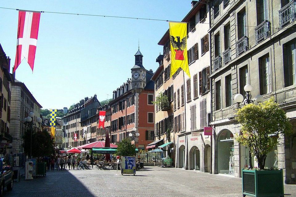 Chambery Travel Guide Savoie Auvergne, City Of Carmel In Building Department