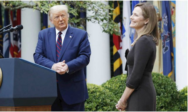 Contra viento y marea, Amy Coney Barrett se convierte en magistrada del Tribunal Supremo de Estados Unidos