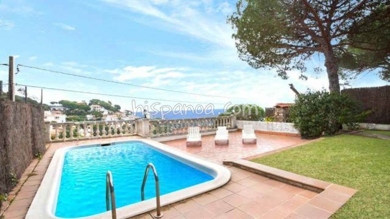 location villa piscine privee en
