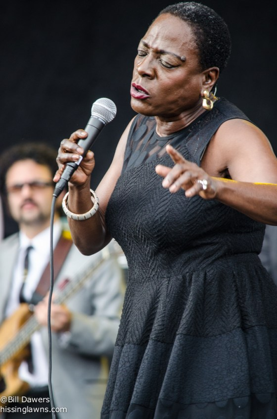SharonJones&TheDapKings-10