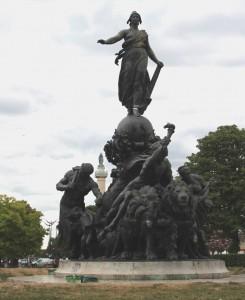 Triomphe de la République place de la Nation