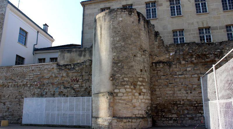 vestiges du mur de Philippe Auguste à Saint Paul