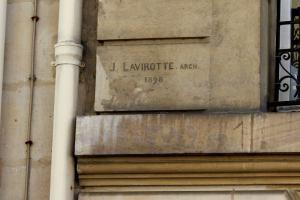 signature de Jules Lavirotte 151 rue de Grenelle