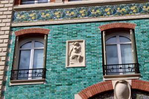 sculpture de la maison dumas de Paul Sédille côte Eugène Flachat