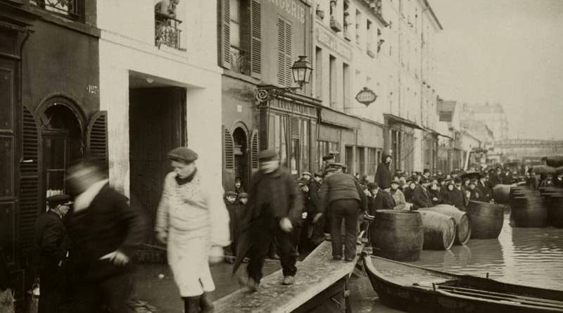 vue du quai de la Gare lors de la crue de 1910