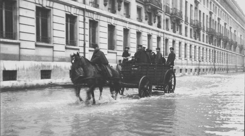 Inondation 25 janvier 1910 rue de Lille