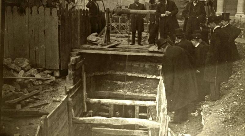 Après les dégâts, visite d'un chantier rue Royale par la commission du conseil municipal