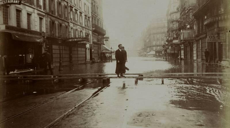 Rue de la Pépinière inondé en janvier 1910 par Harry C. Ellis