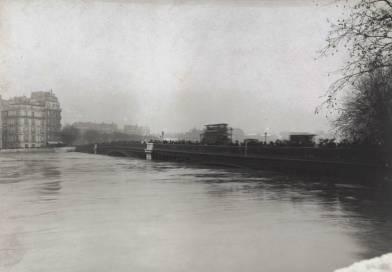 Pont de Sully lors de la crue de 1910