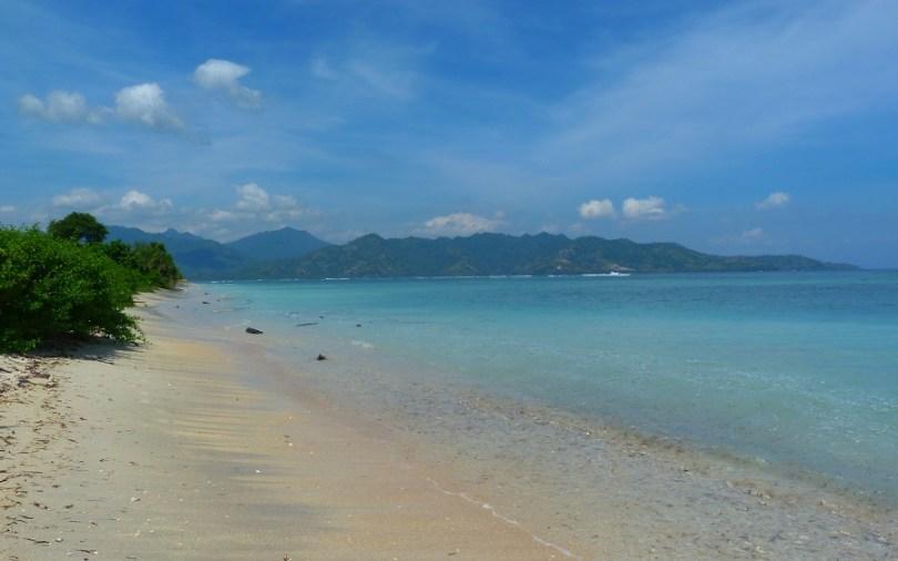 Les plages bordent Gili Air sans fin