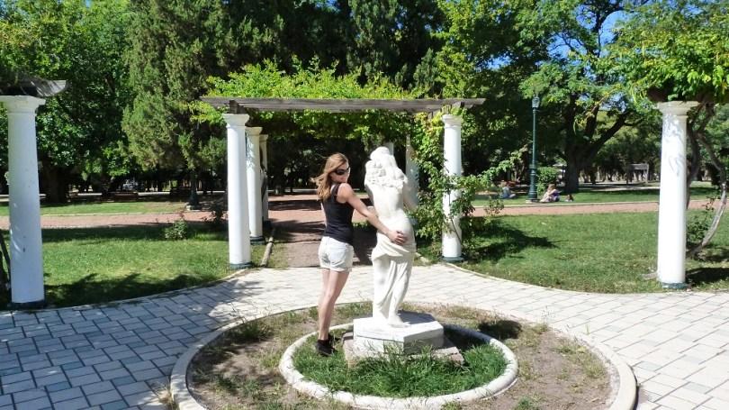 Mendoza statue parc general san martin